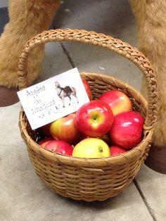 cesta de maçãs