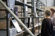 stellingkasten op de woonbeurs. Oude bouwmaterialen en meubels op maat gemaakt bij Jan van IJken Eemnes www.oudebouwmater...