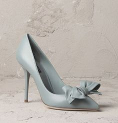 Soft bow on front in pastel powder blue leather #pump by Dolce & Gabbana #shoes