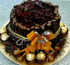 Christmas cake made of biltong and droëwors, SA South African Dishes, Biltong, Christmas Cakes, Hampers, 80th Birthday, How To Make Cake, Wedding Cakes, Wedding Planning, Sweets