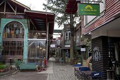 Sentite de viaje en el Mercado de Maschwitz. Buenos Aires. Argentina.