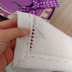 Hemming with drawn thread work - DIY hand hemstitched linen handkerchiefs - would be good for a small embroidery project on a corner Hardanger Hemstitched Linen - how to hand sew a decorative edge on linen - via Little House on the Suburbs It's a handk Hand Embroidery Tutorial, Hand Embroidery Stitches, Cross Stitch Embroidery, Embroidery Patterns, Stitch Patterns, Sewing Patterns, Crochet Patterns, Swedish Weaving, Drawn Thread