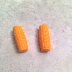 Dollhouse Miniature 2 Ears of Corn by Island Crafts /& Miniatures
