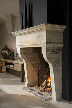 Corner fireplace ideas and photos (indoor / outdoor). From design, decor, and pictures for your living room. Corner Fireplace, Home Design Decor, Home Fireplace, French House, Fireplace Design, House, French Fireplace, Fireplace Surrounds, Home Deco