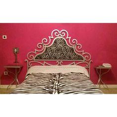 LETTO in FERRO BATTUTO . Realizzazioni Personalizzate . 981 Bed, Furniture, Home Decor, Stream Bed, Interior Design, Home Interior Design, Beds, Arredamento, Home Decoration
