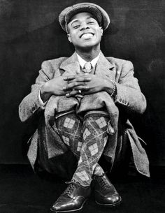 Listen to music from Louis Armstrong like What a Wonderful World, La vie en rose & more. Find the latest tracks, albums, and images from Louis Armstrong. Louis Armstrong, Soul Jazz, Jazz Artists, Jazz Musicians, Music Artists, Harlem Renaissance, Music Icon, My Music, World History