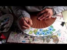 Abanicos pintados a mano por Claudia Cano. Medio girasol. Cómo se hizo - YouTube Fan Decoration, Mixed Media Art, Decoupage, Diy, Perfume, Party Favors, Creative, Crafts, Painting