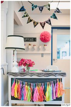 CLASSROOM decor theme, Rainbow, bulletin board, chalkboard, classroom organization, flexible learning spaces, inspiration, kindergarten, watercolor, paper chains www.schoolgirlstyle.com