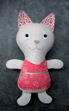 Doudou chat Kolinosté, fait main, costume en Liberty Capel