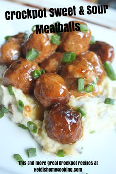 Crockpot Sweet and Sour Meatballs Crockpot Sweet and Sour Meatballs are one of my family's favorite meals. The recipe can be made with frozen meatballs of any kind, but they taste great with homemade turkey meatballs as well. They double Frozen Turkey Meatballs, Turkey Meatballs Crockpot, Jelly Meatballs, Cheap Clean Eating, Clean Eating Snacks, Crockpot Recipes, Healthy Recipes, Barbecue Recipes, Sweet And Sour Meatballs
