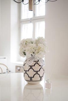 Art Decor, Decor Ideas, Home Decor, Design Art, Interior Design, Koti, Coffee Table Books, Minimalist Interior, Elegant Homes
