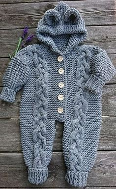 Ravelry: Baby Bear / Baby Bamsedragt pattern by By Amstrup Knitting For Kids, Baby Knitting Patterns, Baby Patterns, Free Knitting, Knitted Baby Outfits, Knitted Baby Clothes, Baby Jumpsuit, Baby Dress, Motif Kimono