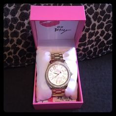 Betsey Johnson Gold Crystal Bling Watch Adorable Gold Betsey Johnson Crystal Bling Watch - with a pink second hand - gently worn - great condition - just needs a new battery 😊 comes with original Betsey box too Betsey Johnson Accessories Watches
