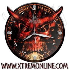Reloj de pared de Alchemy Gothic.