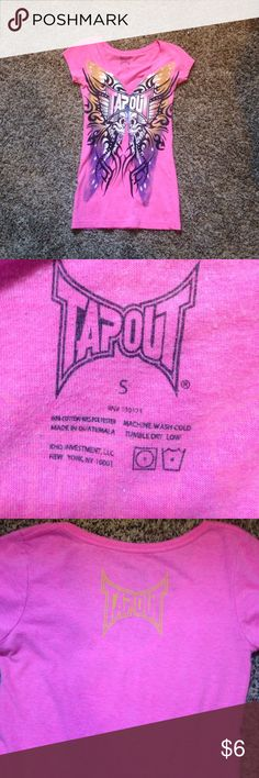 Tapout shirt In Great used condition. Very cute top! Tapout Tops