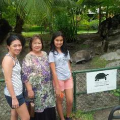 mbak Dini Shanti membawa mama dan anak