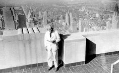 Albert Einstein on the observation deck years ago! Look no railing & no suicide fence! Robert Einstein, Zurich, Albert Einstein Pictures, Nlp Techniques, Michael Faraday, Philosophy Of Science, Modern Physics, Theoretical Physics, Theory Of Relativity