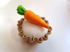 Pretend Play Felt Food Carrot Cake Tart by mummymadeitme on Etsy https://www.etsy.com/listing/199765597/pretend-play-felt-food-carrot-cake-tart