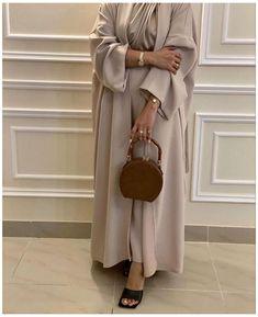 Niqab Fashion, Modest Fashion Hijab, Modern Hijab Fashion, Modesty Fashion, Hijab Fashion Inspiration, Dubai Fashion, Muslim Fashion, Khaleeji Abaya, Merida