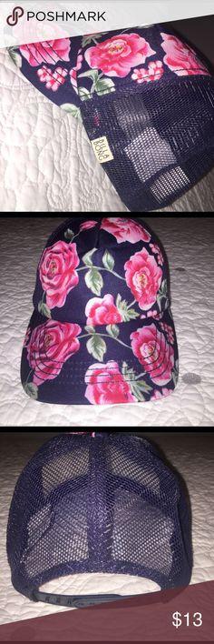 Billabong flower hat Never worn flower billabong hat. Adjustable! 💕 open to offers! Billabong Accessories Hats