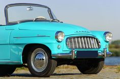 Škoda Felicia, year Colour radiant blue/green with a matching two tone interior. Inspired by the American cars of the Rock and roll period. This Felicia shows all original … Vintage Cars, Antique Cars, Felicia, Cars And Motorcycles, How To Memorize Things, Europe, Historia, Retro Cars
