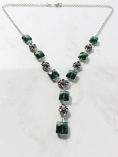 This green amethyst necklace is handcrafted using high-quality gemstone. Materials: Diamond shape green amethyst gemstone Sterling Silver small connectors Sterling Silver chain Measure: 18 inch The gr