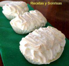 Merengues Suizos! tipo de pastelería! Receta paso a paso! http://recetasysonrisas.blogspot.com.es/2014/03/merengues-de-pasteleria-2.html #food #récipe #meringue #tutorial #meringue #sweet #dessert