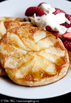 Apple & Cinnamon Pancakes