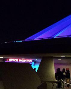 Space Mountain in Tomorrowland. #disneyland #disneycal #disney #tokyodisneyland #disneylandparis #shanghaidisneyland #instadisney #disneyfan #disneygram #instagram #instatravel #instapic #disneytravel #eurodisney #wdw #waltdisneyworld #instagood #disneybound #usa #disneyside #disnoid #disnerd #disneylandresort #starwars by mickey_obarr