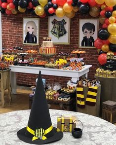 Harry Potter Spells How To Say Them. Harry Potter Spells Starting With N not Harry Potter Earrings Baby Harry Potter, Mesa Do Harry Potter, Harry Potter Tisch, Harry Potter Table, Harry Potter Motto Party, Harry Potter Fiesta, Harry Potter Thema, Cumpleaños Harry Potter, Harry Potter Halloween Party