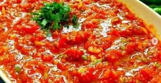 ACILI EZME TARİFİ Pepperoni, Vegetable Pizza, Salsa, Curry, Vegetables, Ethnic Recipes, Food, Knitting, Crochet