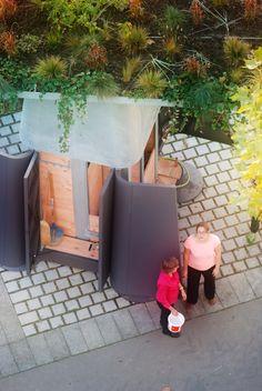 Neighbourhood Ekovore Composter - Ekovore.com - Nantes - France - organic waste composter for street - prévention des troubles musculosquelettiques (TMS) - downtown compost - urban furniture collection for sustainability - A model Composteur Ekovore - compostage des déchets organiques en pied d'immeuble - mobilier urbain pour ville résiliente - collection de mobilier urbain pour la ville en transition - redevance incitative - pesée embarquée - paiement des ordures ménagères à la levée…