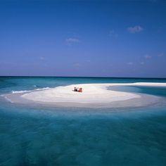 Piano Play, Maldives