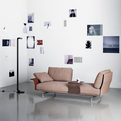 Flow adapt create void rearrange space receive and renew indefinitely. The new Avant-après seating is able to do it all. Rigid yet lightweight @sabaitalia's sofa comes in fascinating configurations thanks to the special and unique armrest/backrest system that detaches with a simple movement and may be positioned all along the base.  #archiproducts #design #sabaitalia