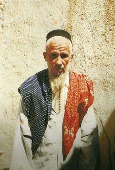1955. Ifrane de Anti-Atlas. Rabbi Ifergan, spiritual head of the Jewish community there.