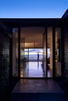 A House with a View by Axelrod Architects