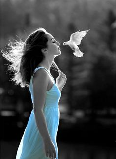 The World in Black and White Lovely Girl Image, Beautiful Girl Photo, Girls Image, Splash Photography, Girl Photography Poses, Color Photography, Color Splash Photo, Girl Poses, Belle Photo