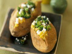Ofenkartoffeln mit Schafskäse-Brokkoli-Füllung |
