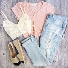 This outfits colour scheme is pastel, all of the pieces are muted and light colours.