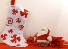 Tutorial: Bota de Caramelo para navidad - KENA Ideas Prácticas, Christmas Stockings, Holiday Decor, Etsy, Videos, Home Decor, Color, Old Cds, Rustic Christmas
