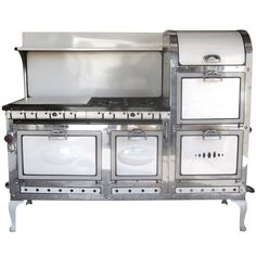 1920's Double Broiler / Eight Burner Stove