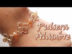 ¡¡¡PULSERA DE ALAMBRE Y CRISTALES!!! - YouTube Wire Jewelry Earrings, Wire Wrapped Jewelry, Jewelry Art, Handmade Bracelets, Handmade Jewelry, Beaded Bracelets, Wire Jewelry Designs, Wire Weaving, Beading Tutorials