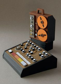 Dan McPharlin - Analogue Miniature Synthesizers. Cardboard.