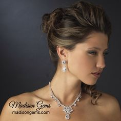 Dazzling Crystal Necklace Set.  www.madisongems.com