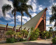 "Humphrey's Restaurant | Architect: Unknown 1962 San Diego, CA Shelter Island ""Tiki Colony""  Source: flickr.com/photos/88017382@N00"