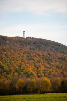 Enjoy a 360 view of fall foliage from Hublein Tower at Talcott Mountain State Park in Simsbury. Hike the 1.25 mile trail to the tower and enjoy extensive vistas of fall foliage in all directions from atop the 165-foot Heublein Tower.
