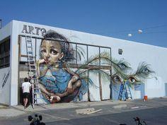 """"""" De l'art ? """" / Street art. / By Hera and Akut."""