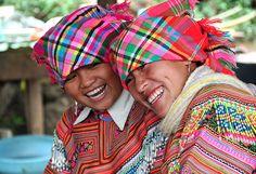 Hmong girls, Vietnam Visit Faithful in Vietnam!
