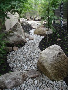 Images and ideas for backyard landscaping and do it yourself projects to easily create dry creek and river bed designs that dress up your property. Rain Garden, Dream Garden, Garden Paths, Garden Art, Pebble Garden, Garden Stream, Pebble Art, Garden Beds, Landscaping With Rocks