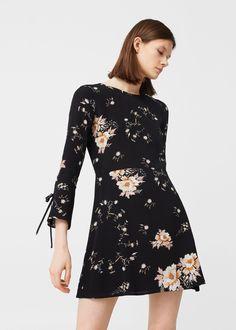 Vestido fluido floral - Vestidos de Mujer | MANGO España